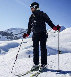 "<img scr=""skier.jpg"" alt=""sports protective gear"">"