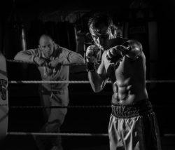 "<img src=""man punching.jpg"" alt=""how to train on a heavy bag""/>"