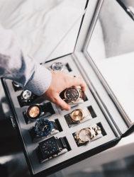 "<img src= ""briefcase of watches.jpg"" alt=""the best of smartwatches""/>"