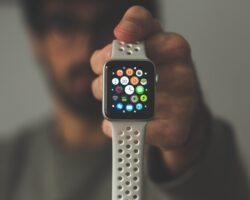 """<img src=""""white smart watch.jpg"""" alt=""""best smart watches""""/>"""