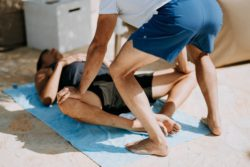 "<img src=""2 men stretching.jpg"" alt=""how many days a week should you stretch""/>"
