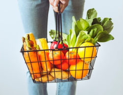 """<img src =""""shopping basket of fruit and vegetables.jpg"""" alt=""""what foods to eat and lose weight""""/>"""