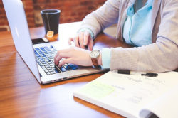 """<img src= """"lady working on a laptop.jpg"""" alt=""""how to create a successful online business""""/>"""