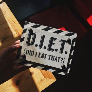 """<img src=""""diet sign.jpg"""" alt=""""weight loss""""/>"""